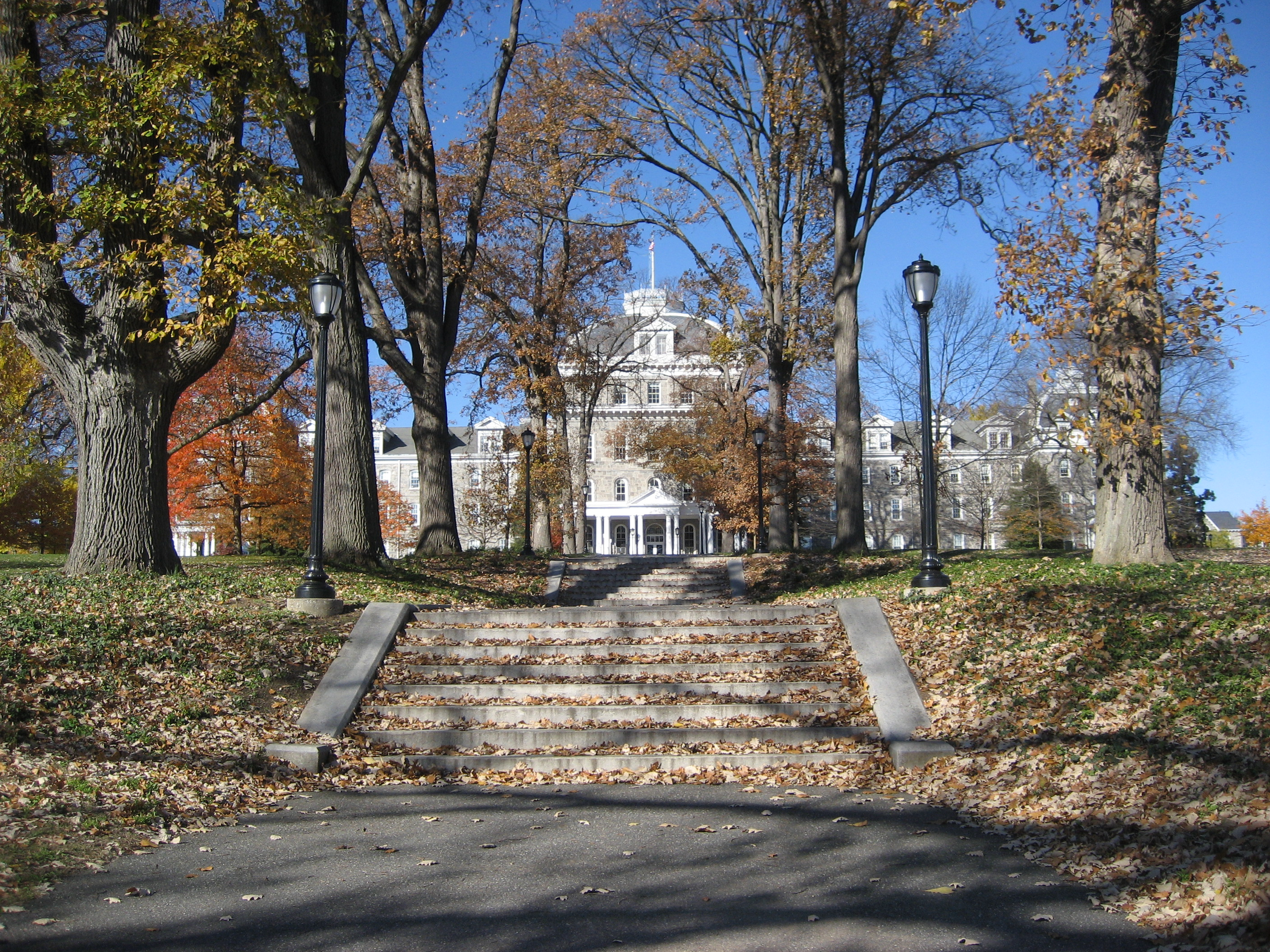 The obligatory picture of Swarthmore's Parrish Hall. | CC via Wikimedia Commons