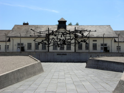 A memorial at Dachau. | By Wolfgang Manousek [CC BY 2.0], via Wikimedia Commons