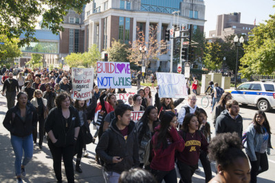 Campus protest in Minneapolis, Minnesota | By Fibonacci Blue [CC BY 2.0], via Creative Commons